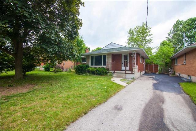 Detached at 40 High St, Waterloo, Ontario. Image 1