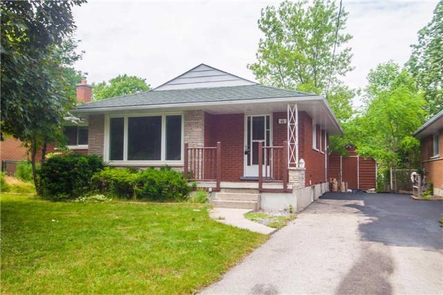 Detached at 40 High St, Waterloo, Ontario. Image 12