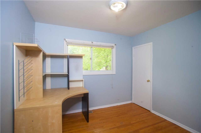 Detached at 40 High St, Waterloo, Ontario. Image 20