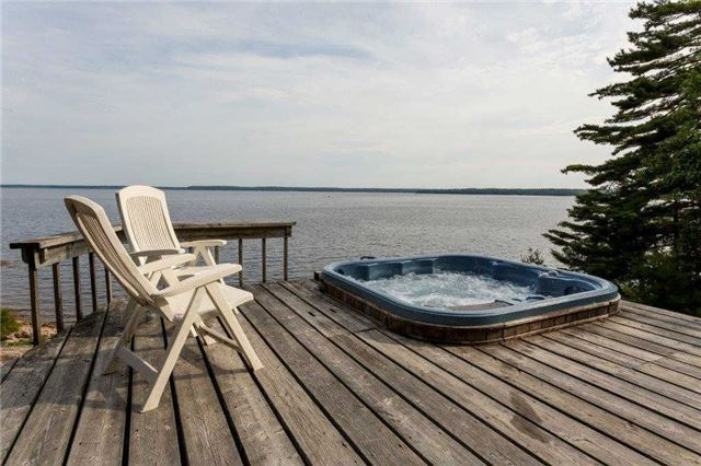 Cottage at 11 Mowat Island, Carling, Ontario. Image 4
