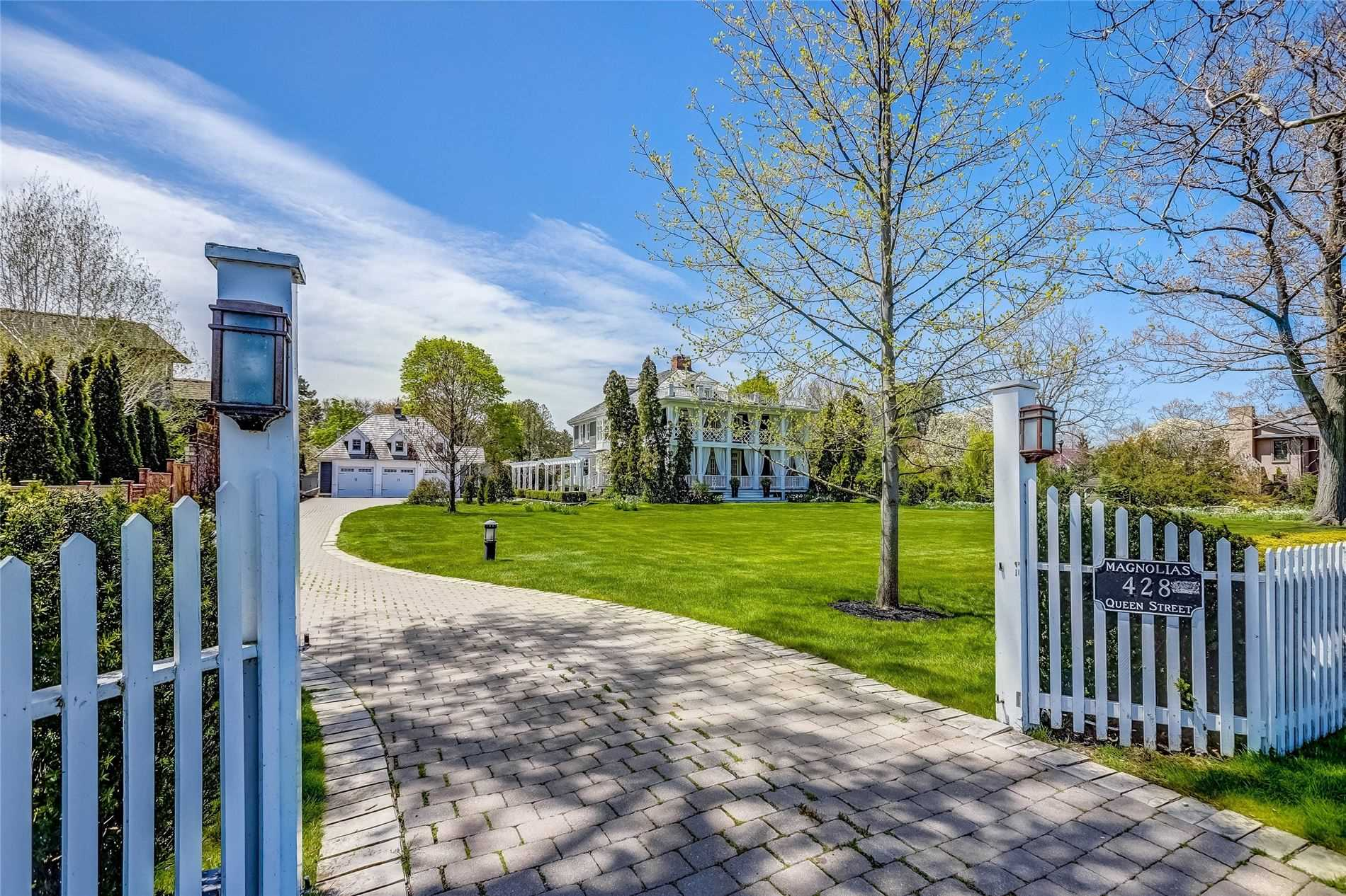 Detached at 428 Queen St, Niagara-on-the-Lake, Ontario. Image 1