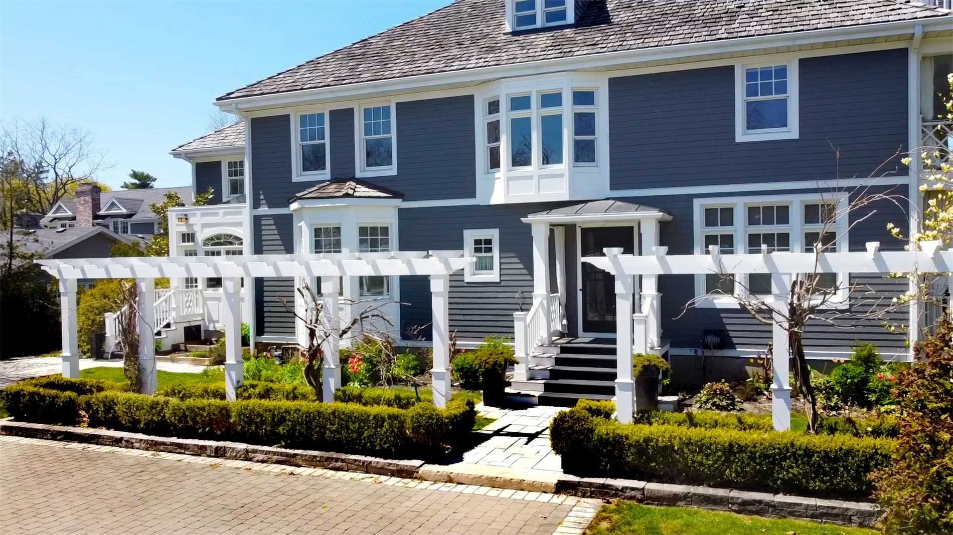 Detached at 428 Queen St, Niagara-on-the-Lake, Ontario. Image 12