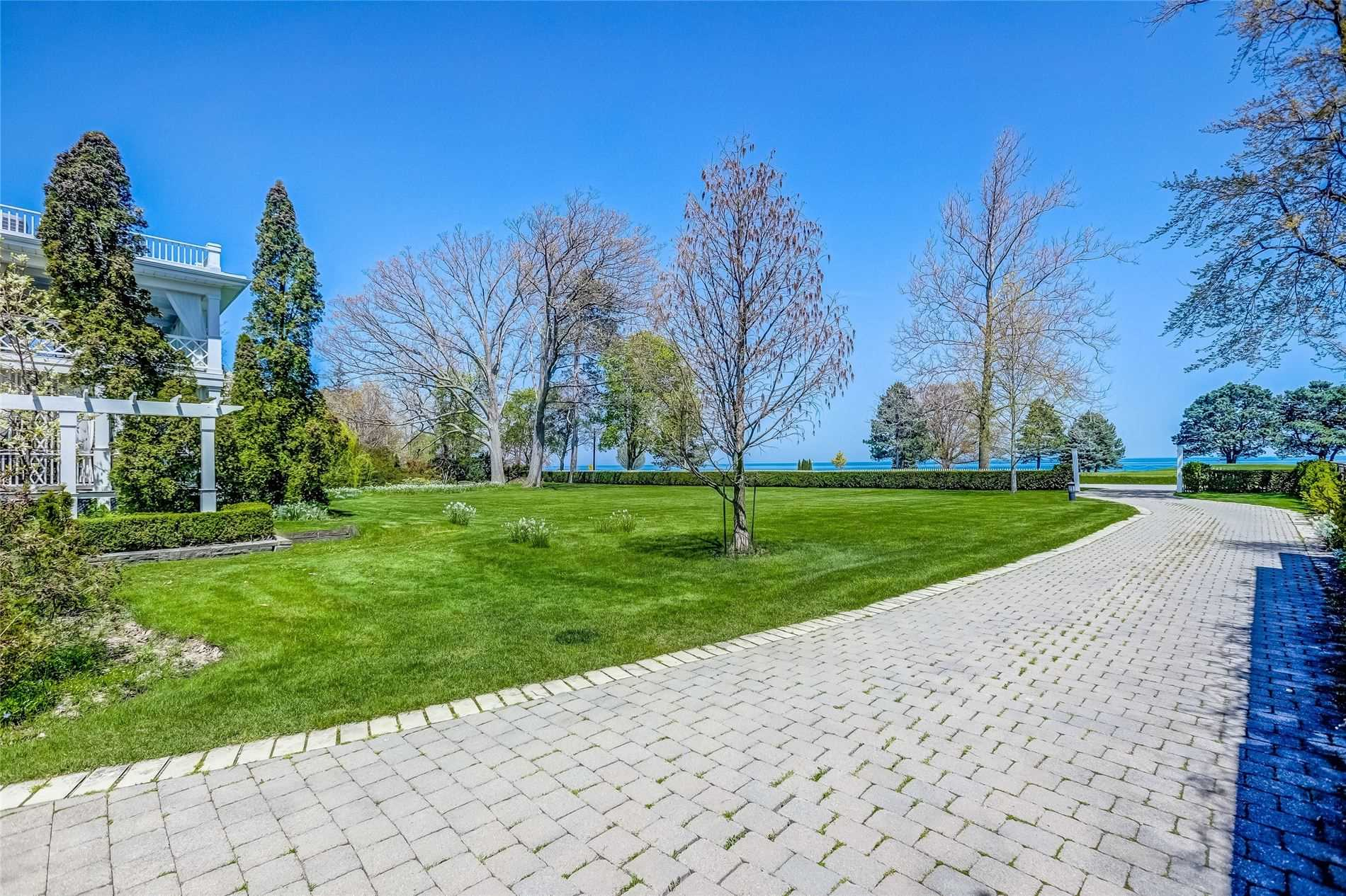 Detached at 428 Queen St, Niagara-on-the-Lake, Ontario. Image 19