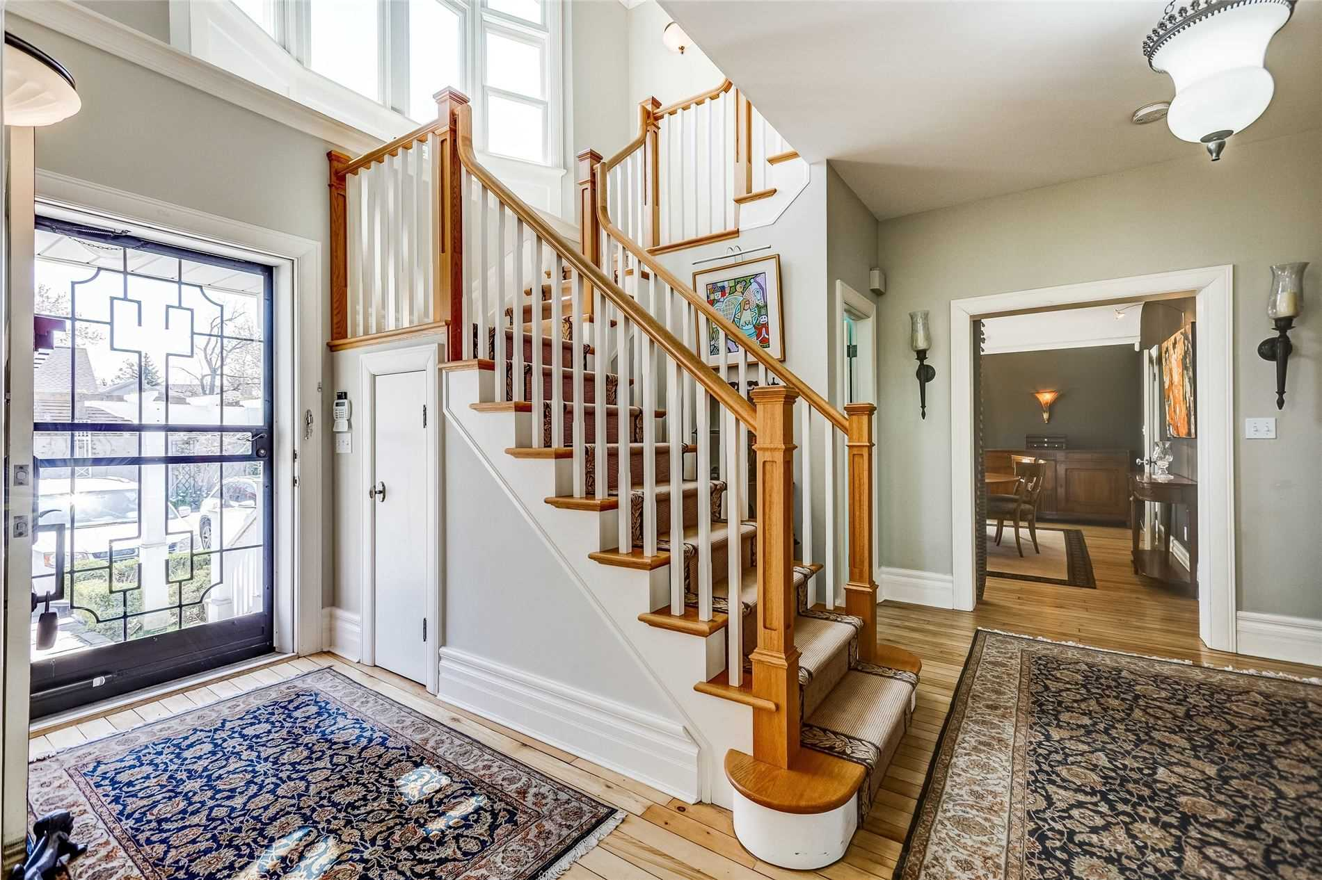 Detached at 428 Queen St, Niagara-on-the-Lake, Ontario. Image 10
