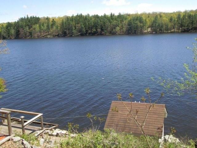 Cottage at 622 Troy Lake Rd, Rideau Lakes, Ontario. Image 2