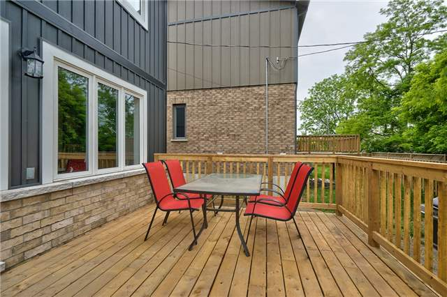 Detached at 3 Rembe Ave, Hamilton, Ontario. Image 11