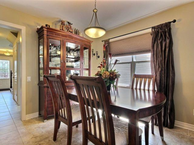 Detached at 320 Empress Ave, Welland, Ontario. Image 16
