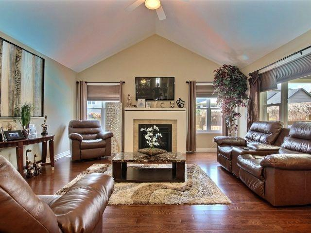 Detached at 320 Empress Ave, Welland, Ontario. Image 19