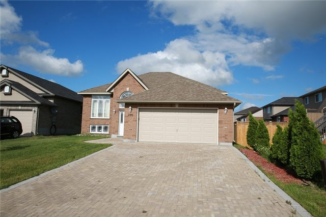 Detached at 200 Tuscany Tr, Greater Sudbury, Ontario. Image 1