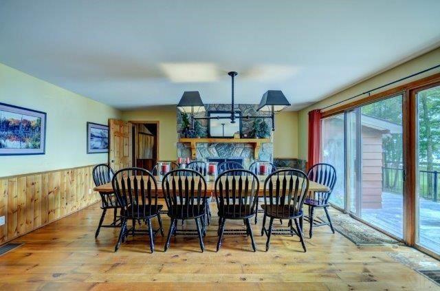 Cottage at 1082 Halls Rd, Unit 5, Muskoka Lakes, Ontario. Image 16