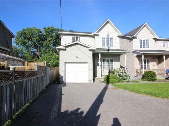 Detached at 861 Blair Rd, Ottawa, Ontario. Image 5
