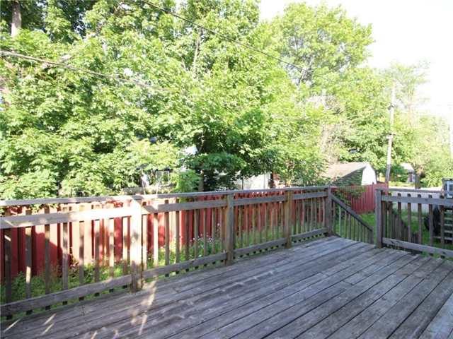 Detached at 861 Blair Rd, Ottawa, Ontario. Image 7