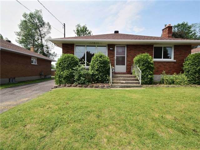 Detached at 433 Anthony St, Cornwall, Ontario. Image 12