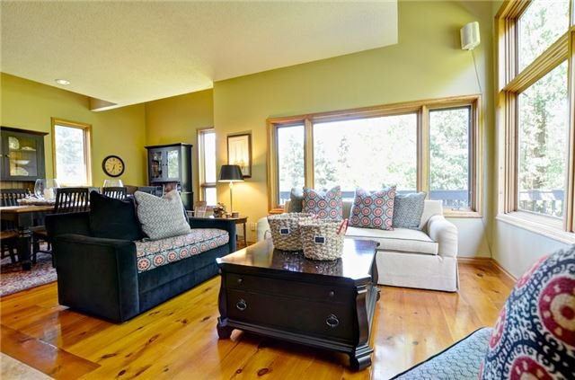 Detached at 32 Old Carriage Rd, East Garafraxa, Ontario. Image 17