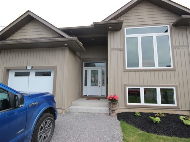Detached at 307 Marshall Ave, Welland, Ontario. Image 1