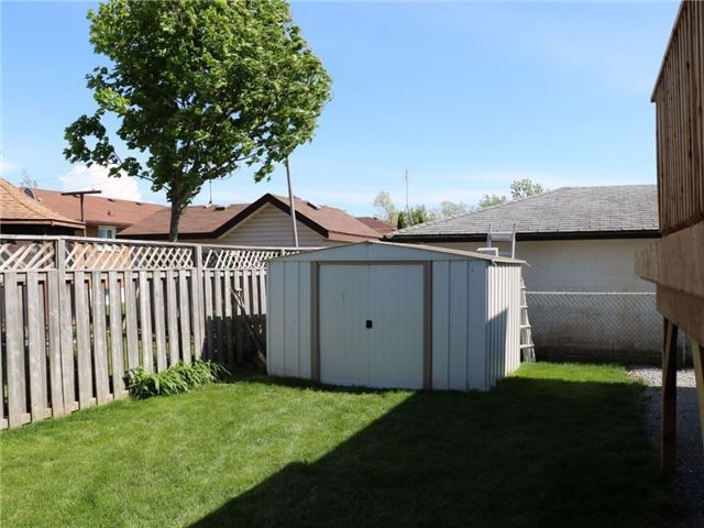 Detached at 307 Marshall Ave, Welland, Ontario. Image 2