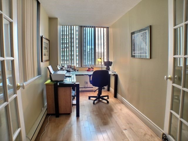 Condo Apartment at 160 George St, Unit 705, Ottawa, Ontario. Image 2