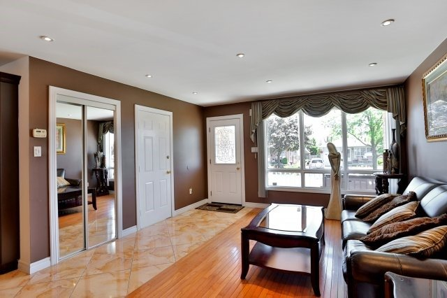 Detached at 338 Templemead Dr, Hamilton, Ontario. Image 15