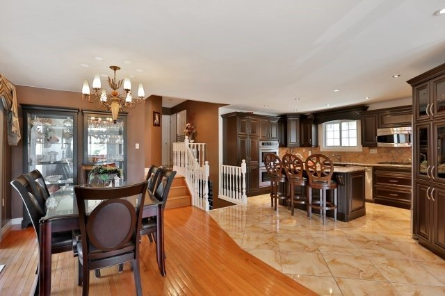 Detached at 338 Templemead Dr, Hamilton, Ontario. Image 17