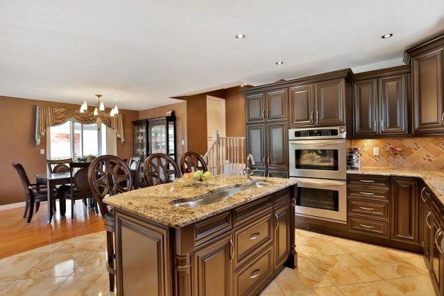 Detached at 338 Templemead Dr, Hamilton, Ontario. Image 19