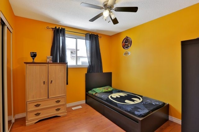 Detached at 338 Templemead Dr, Hamilton, Ontario. Image 3