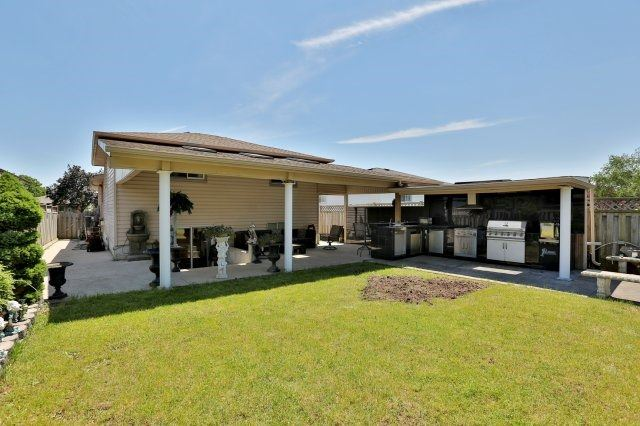 Detached at 338 Templemead Dr, Hamilton, Ontario. Image 11
