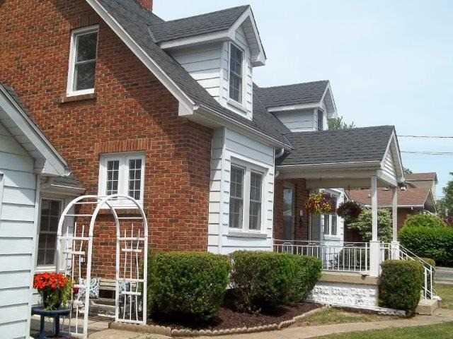 Detached at 114 Church St, Welland, Ontario. Image 10