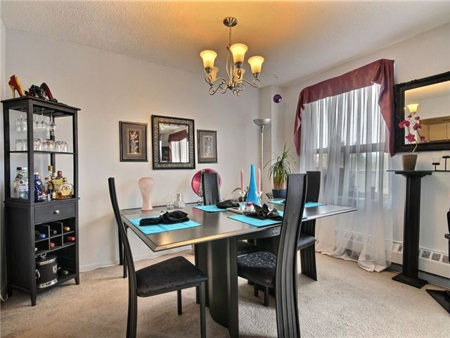 Condo Apartment at 1100 Courtland Ave E, Unit 315, Kitchener, Ontario. Image 6