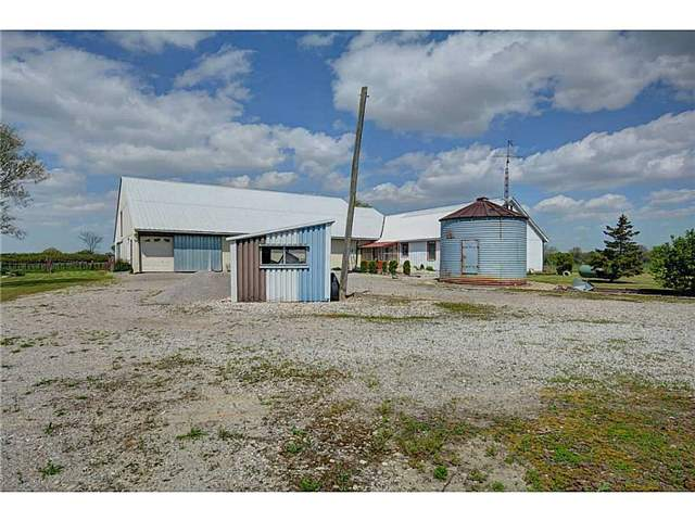 Detached at 498 2nd Concession Rd, Haldimand, Ontario. Image 11