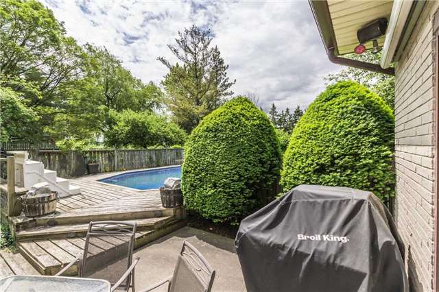 Detached at 13 Seaton Cres, Woolwich, Ontario. Image 7