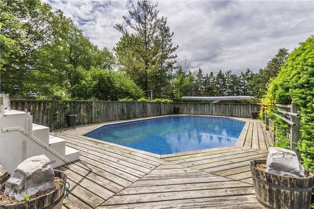Detached at 13 Seaton Cres, Woolwich, Ontario. Image 9