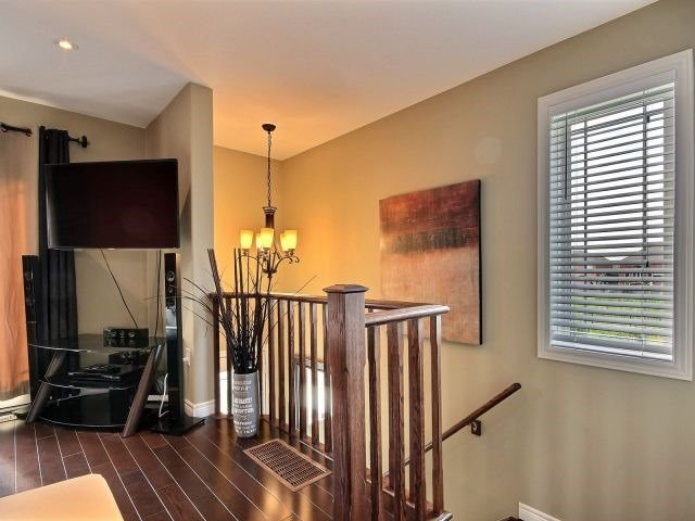 Townhouse at 25 Viking Dr, Unit 12, Hamilton, Ontario. Image 20