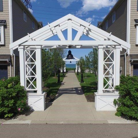 Condo Townhouse at 337 Beach Blvd, Unit 3, Hamilton, Ontario. Image 4
