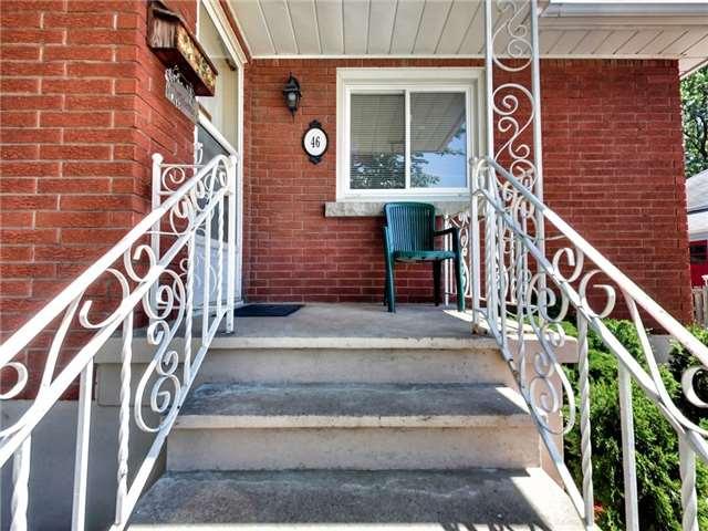 Duplex at 46 Lorne St, St. Catharines, Ontario. Image 15