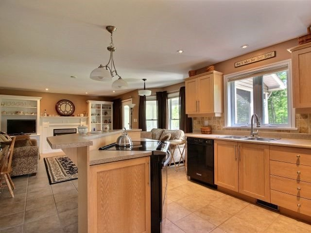 Detached at 146 Orchard Cres, Perth, Ontario. Image 15