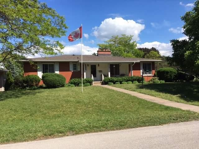 Detached at 2 Sunnylea Cres, Grimsby, Ontario. Image 1