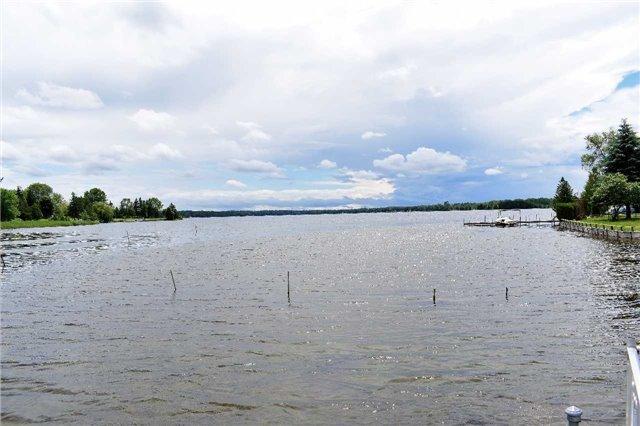Detached at 19 Macpherson Cres, Kawartha Lakes, Ontario. Image 10