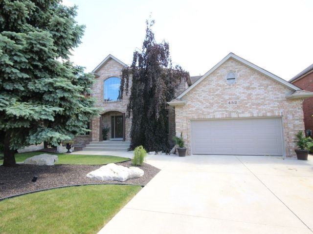 Detached at 452 Orchard Park Dr, Lakeshore, Ontario. Image 1