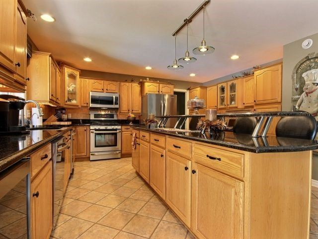 Detached at 452 Orchard Park Dr, Lakeshore, Ontario. Image 15