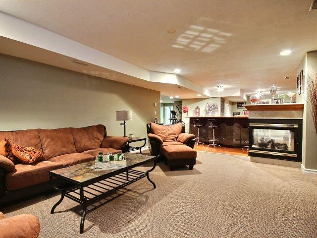 Detached at 452 Orchard Park Dr, Lakeshore, Ontario. Image 8