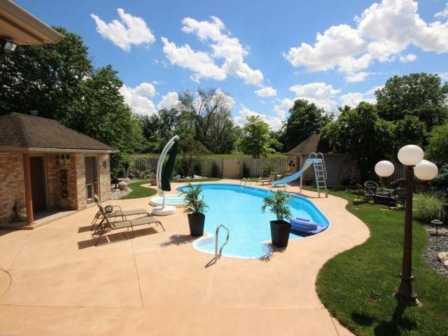 Detached at 452 Orchard Park Dr, Lakeshore, Ontario. Image 11