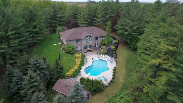 Detached at 4079 Side Road 20 Rd S, Puslinch, Ontario. Image 1