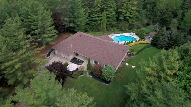 Detached at 4079 Side Road 20 Rd S, Puslinch, Ontario. Image 8