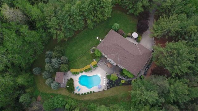 Detached at 4079 Side Road 20 Rd S, Puslinch, Ontario. Image 11