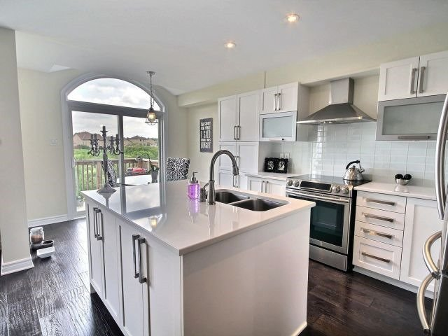 Townhouse at 2261 Marble Cres, Clarence-Rockland, Ontario. Image 3
