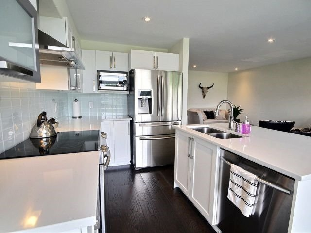 Townhouse at 2261 Marble Cres, Clarence-Rockland, Ontario. Image 7