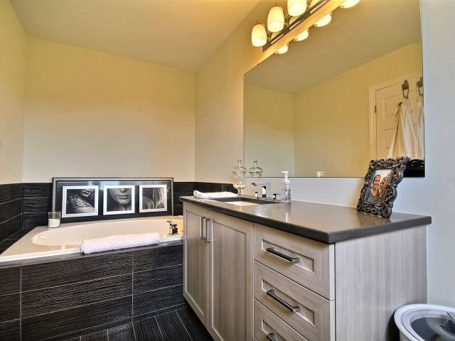 Townhouse at 2261 Marble Cres, Clarence-Rockland, Ontario. Image 10