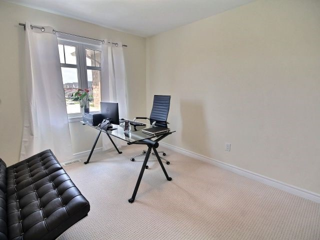 Townhouse at 2261 Marble Cres, Clarence-Rockland, Ontario. Image 13