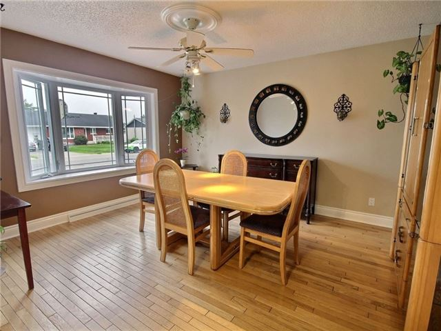 Detached at 2378 Raymond St, Clarence-Rockland, Ontario. Image 14