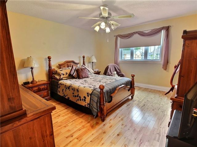 Detached at 2378 Raymond St, Clarence-Rockland, Ontario. Image 17